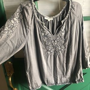Solitaire embroidered blouse
